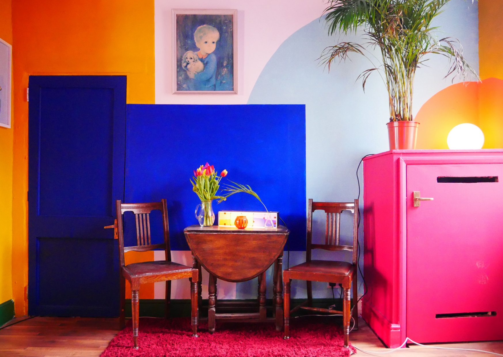 The Lounge at The Lab Northampton. A colourful room to get creative in.